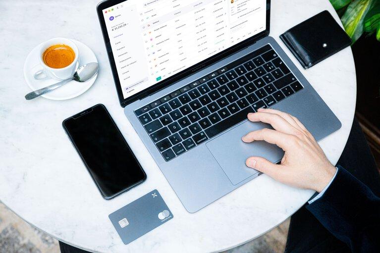 Operazioni e transazioni online per la tua azienda